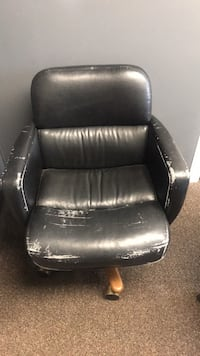 black leather padded rolling armchair Lakewood, 80215