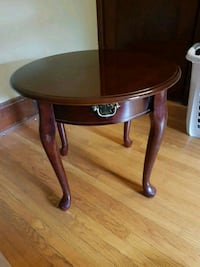 Small end table  Kitchener, N2G 2L5