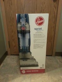 white and blue Hoover upright vacuum cleaner box Edmonton, T5P 0L1