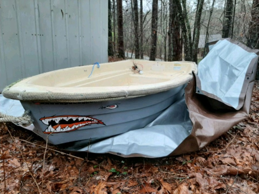 Photo Dingy Boat for sale WITH TROLLING MOTOR