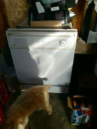 white and black electric coil range oven South Lyon, 48178