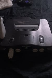 Nintendo 64 with some games and controller  Glen Burnie, 21061