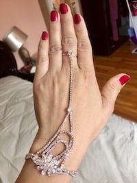 Brand new beautiful ring with bracelet  Jersey City, 07305