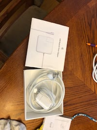 Macbook pro charger Russell, K0A 1W0