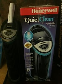 black Honeywell quietclean air purifier with box Aiea, 96701