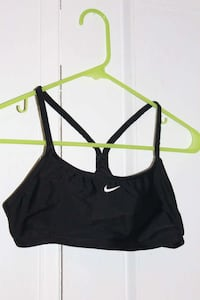 black Nike sports bra Belleville, K8P 2Y3