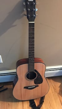 Brown and black acoustic guitar Stony Point, 10980