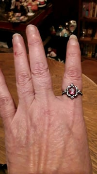 Black sapphire with pink amethyst on a 925 silver ring size 7 Calgary, T3B 2J3