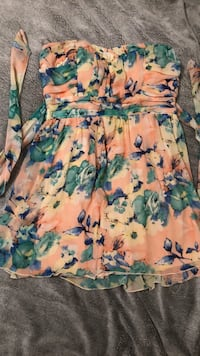 Size 9 dress ~ Sundress Des Moines, 50317