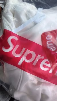 Authentic Supreme hoodie  Mishawaka, 46545