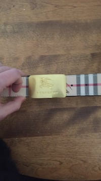 beige and black Burberry leather belt Halifax, B3S 1R5