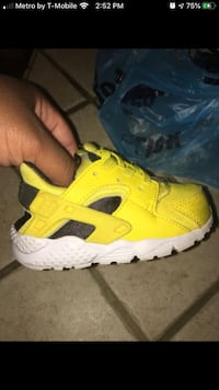 Toddler size 6c Nike's