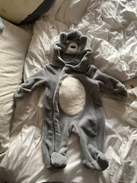 Furry onesies both 3-6 months Mississauga, L4W 4A5