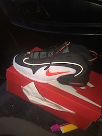 unpaired black and red Nike basketball shoe with box District Heights, 20747