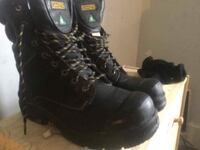 STEEL TOED WORK BOOTS SIZE 10.5