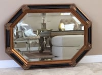 45x33 gorgeous Mirror in a great condition.