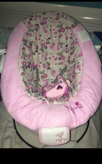 Baby's pink and white floral bouncer Hialeah, 33015