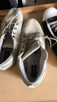 pair of gray Vans low-top sneakers Saint Petersburg, 33705