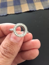 Pandora ring size 8. Barrie, L4M