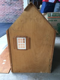 Vintage wooden doll house Mc Lean