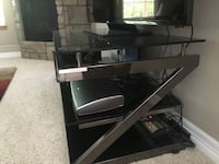 Glass TV stand Greeley, 80634
