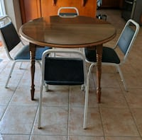 Dining table and chair Waterloo, N2L 2R7