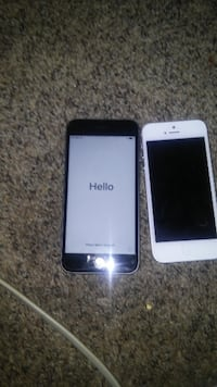 white iPhone 5 and space gray iPhone 6