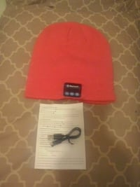 red and black fitted cap 776 km