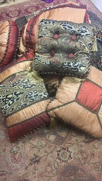 Queen comforter set with shams and decorative pillows $600 orig. Salem, 53168