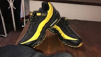 Nike Airmax 95 black and yellow (Frequency) Brampton, L6T 3N9