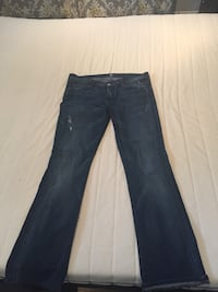 blue denim straight-cut jeans Victoria, V8P 2V9