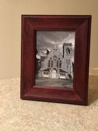 "5""x7"" Wood Picture Frame  Herndon, 20171"