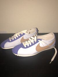 Pair of white-and-purple nike sneakers Miramar, 33025