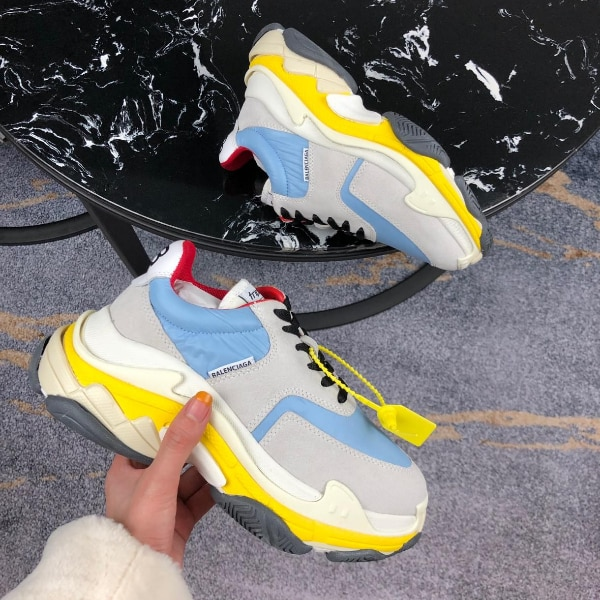 baed491dd121de Used pair of white-and-red Air Jordan shoes for sale in New York - letgo