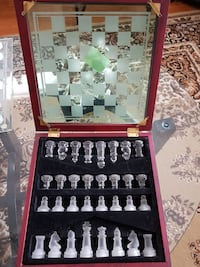 Antique glass Chess in Box gift Vaughan, L4J