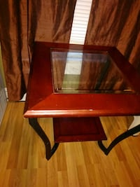 Solid wood and iron with glass center Ottawa, 66067