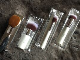 PUR makeup brush set