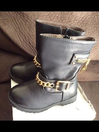 Never used Girls size 9.5 (26) dress black boots toddler. Fits more like an 8.5-9. Chino Hills, 91709