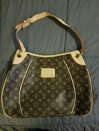 brown monogrammed Louis Vuitton leather handbag Miami Gardens, 33056