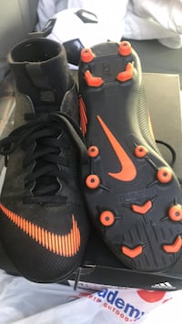 Cleats Youth size 3.5 Johnson City, 37604