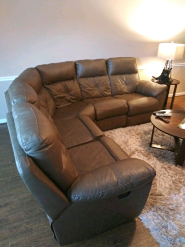 Used brown leather 3-seat recliner sofa for sale in Sugar Hill - letgo