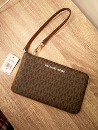 Brand new Michael Kors Wristlet  Richmond
