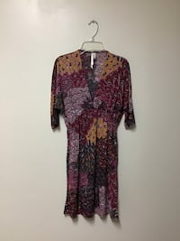 Juniors Christinalove polyester/spandex elbow sleeve V-neck dress.. size small