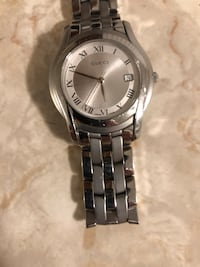 GUCCI watch Silver...Mint condition