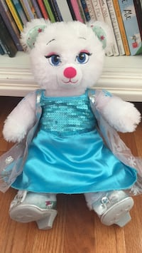 Elsa Frozen  Build a Bear Herndon, 20171