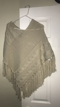 gray knitted poncho Vaughan, L4L