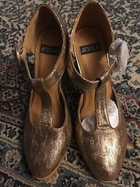 Gold Chunky Heeled Shoes Reston, 20194