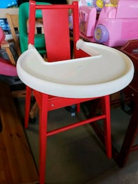 High chair @ clic klak used toy warehouse  Mississauga, L4X 2S3