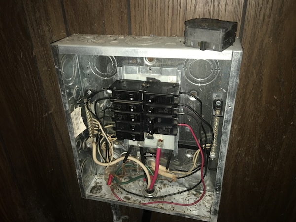 used fuse box and fuses useing it on our double wide mobile home for sale  in stockton - letgo