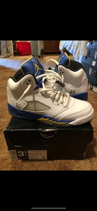 Pair of white air jordan 5's with box
